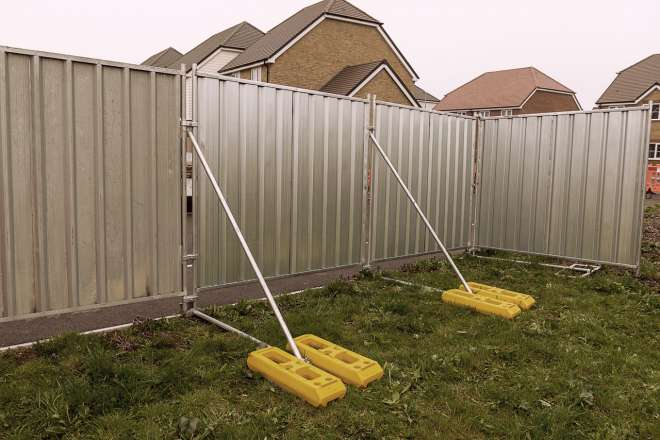 Heras temporary fencing Ive 5884 Stormguard Stability System With Weights