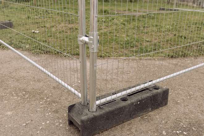 Heras temporary fencing Ive 6339 Gate Hinge